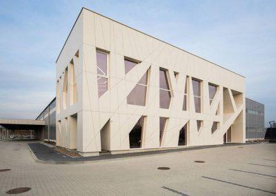 TecDomi GmbH Keramikmanufaktur - Fassadenbau modernes Firmengebäude