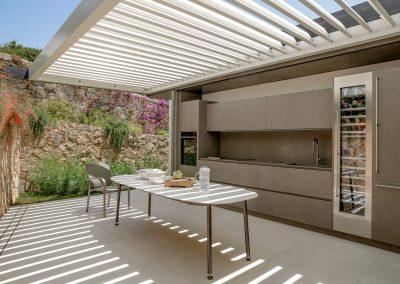 TecDomi GmbH Keramikmanufaktur - moderne Outdoor Küchenfront, Möbel und Tisch
